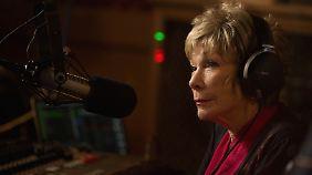 Harriet startet beruflich nochmal durch und arbeitet beim Radio.
