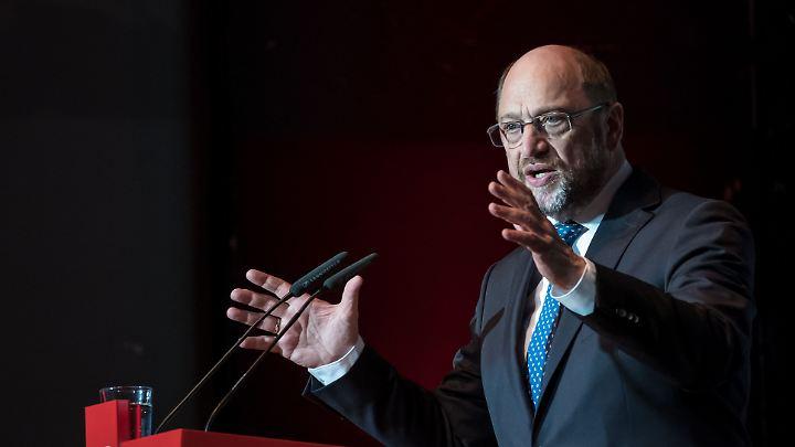 """""""Am meisten beeindruckt mich an ihm die Fähigkeit, aus vermeintlichen Schwächen Stärken zu machen"""", sagt Manfred Otzelberger über Martin Schulz."""
