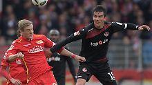 Felix Kroos und seine Unioner siegen gegen Kaiserslautern. Der Klub rutscht damit - zumindest zwischenzeitlich - wieder auf den Relegationsplatz vor.