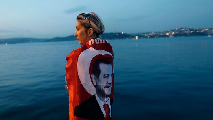 Wie geht es weiter in der Türkei? Eine Erdogan-Anhängerin blickt über den Bosporus.