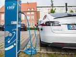 Verkäufe von E-Autos: Tesla erobert in Deutschland die Spitze