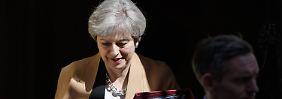 Vor den Brexit-Gesprächen: Britisches Parlament macht Weg für Neuwahlen frei
