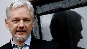 Seit fünf Jahren sitzt Assange in einem Botschaftsgebäude in London fest.