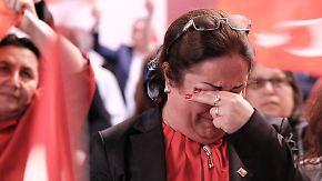 Der n-tv Wochenrückblick: Erdogan siegt, Bayern schwächelt, Frankreich trauert