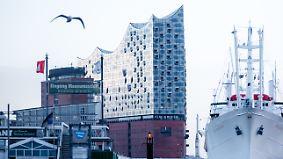 Trotz Toilettenmangel und Stolperfallen: Elbphilharmonie freut sich über 16.000 Besucher pro Tag
