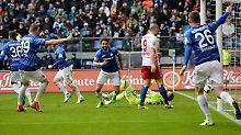 Frankfurt und Bremen furios: Darmstadt unabsteigbar, FC Bayern verkatert