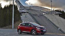 Der Opel Ampera-e macht nicht nur am Holmenkollen in Norwegen eine gute Figur.