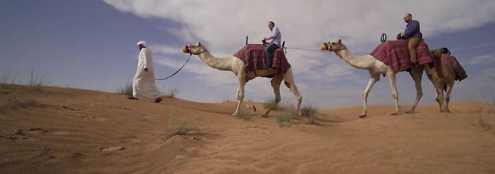 n-tv Spezial Dubai: Desert Conservation Reserve: Kamelreiten und Falkentraining