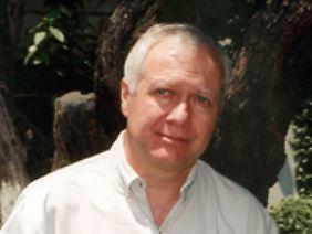 """Der Kanadier Pat Mooney ist Chef der ETC-Group, die sich schwerpunktmäßig für nachhaltige Entwicklung und Biodiversität einsetzt. In seinem Buch """"Next BANG!"""" (auf Deutsch im Oekom Verlag) kritisiert er Geo-Engineering und andere Megatechnologien."""