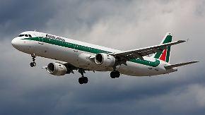 Mitarbeiter gegen Rettungsplan: Pleite von Alitalia könnte sich auf Air Berlin auswirken