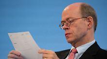 Nikolaus von Bomhard erlebt seine letzte Hauptversammlung als Vorstandschef von Munich Re.