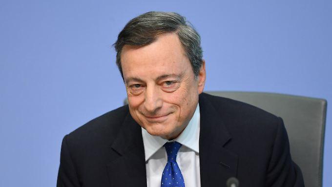 Will den gesamten Euroraum ankurbeln: Den Zeitpunkt für eine Abkehr von der bisherigen Geldpolitik sieht Draghi noch nicht gekommen.