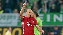Außer Rand und Band: Arjen Robben hat soeben in Wolfsburg das 4:0 für den FC Bayern erzielt.
