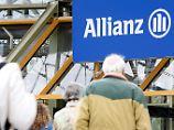Allianz-Aktionäre auf dem Weg zur Hauptversammlung.