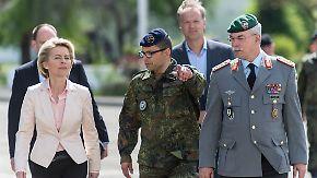 Rechtsextremismus in der Bundeswehr: Von der Leyen steht unter politischem Beschuss