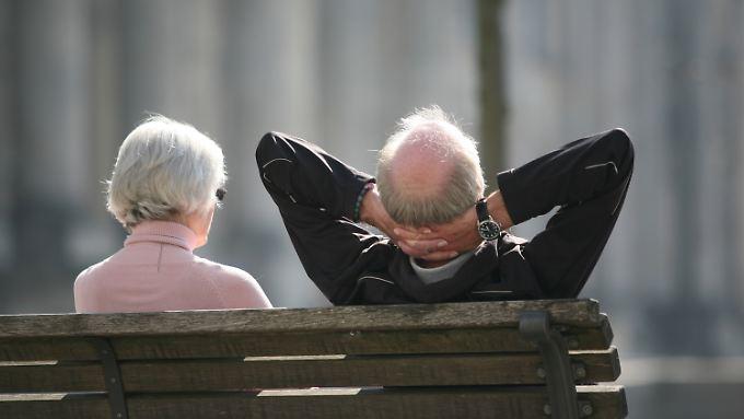 Menschen über 65 Jahre verdienen mehr als früher.