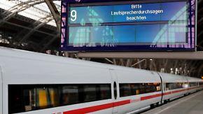 Auch Deutsche Bahn betroffen: Hacker legen weltweit öffentliche Einrichtungen lahm