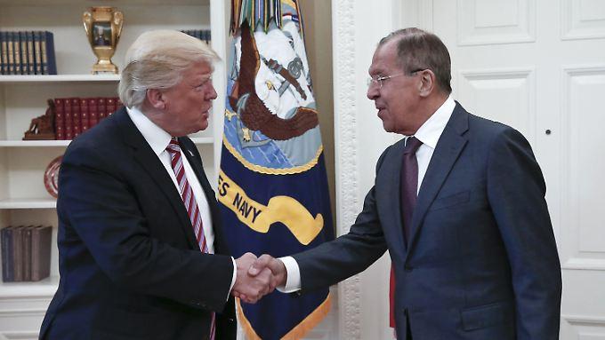 Medienbericht über Geheimnisverrat: Trump verteidigt Weitergabe von Informationen an Russland