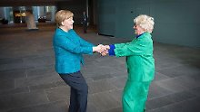 Keine Tanzeinlage: Merkel dreht sich im Kreis