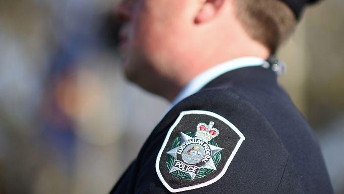 Die australische Polizei sucht nach der Frau, die dem Opfer bei der Flucht geholfen hat.
