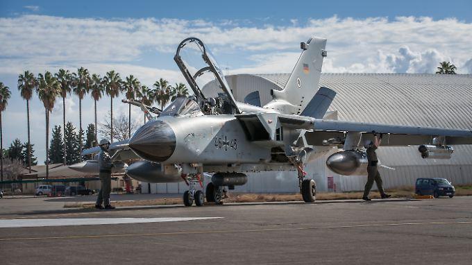 Für den Tornado-Einsatz Deutschlands sind im türkischen Incirlik mehr als 200 Bundeswehrsoldaten stationiert.