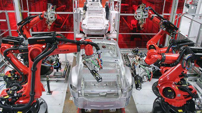 Blick in das Tesla-Werk in Fremont im US-Bundesstaat Kalifornien.