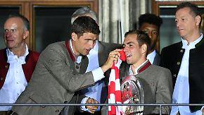 Partynacht in München: FC Bayern feiert letzte Schale für Philipp Lahm