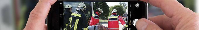 Der Tag: 19:18 Gaffer beleidigen Rettungskräfte bei Einsatz