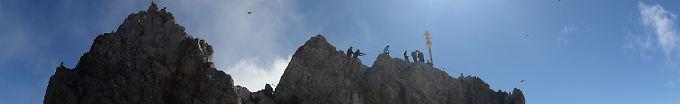 Der Tag: 19:11 Bergsteiger stürzt an Zugspitze in den Tod