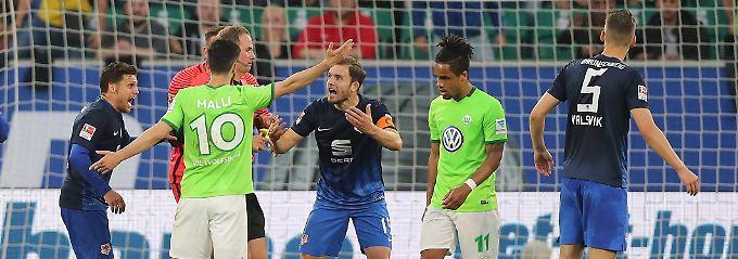 Relegations-Strafstoß war keiner: Referee bereut Elfmeterpfiff für Wolfsburg