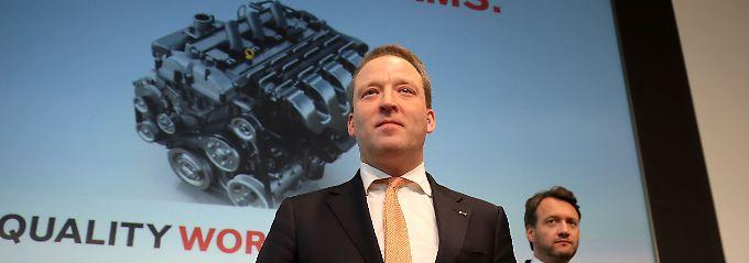 Lanxess-Chef Matthias Zachert, hier mit Finanzvorstand Michael Pontzen (r.) bei der Bilanzpräsentation im März.