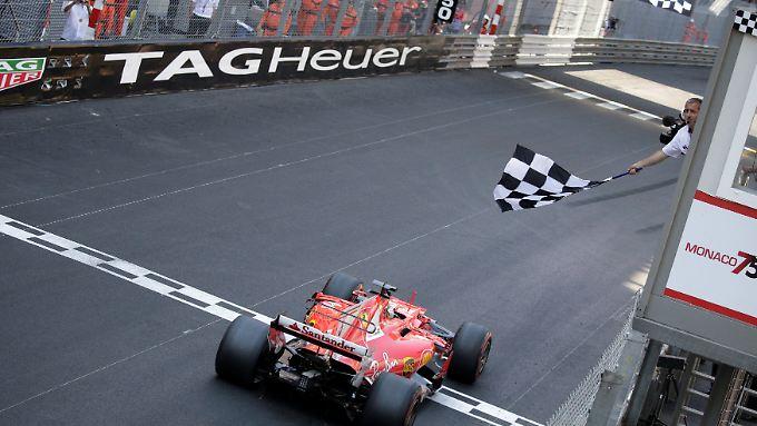 Sebastian Vettel zeigte in Monaco eine makellose Leistung und bekam Hilfe von seinem Ferrari-Team. Das reichte zu Sieg.