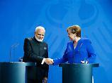 Suche nach neuen Verbündeten: Merkel vereinbart Milliardendeal mit Indien
