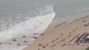 Seltenes Wetterphänomen: Mini-Tsunami trifft auf niederländische Westküste