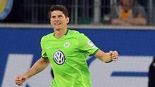 Mario Gomez macht nicht von seiner Ausstiegsklausel Gebrauch und bleibt beim VfL Wolfsburg.