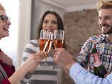 Na, dann Prost: Alkohol bei der Arbeit - was geht?