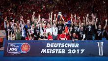 Ersten Matchball verwandelt: Bamberg ist deutscher Basketball-Meister