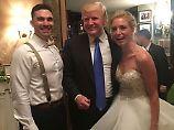 Jubel und Autogramme: Trump überrascht Hochzeitspaar