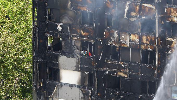 Suche nach Ursachen in London: Mangelhafter Brandschutz befeuert Hochhaus-Katastrophe