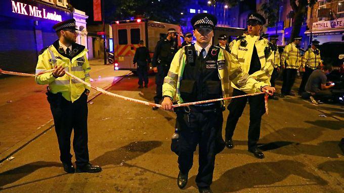 """Die Londoner Polizei spricht von einem """"schweren Zwischenfall"""" im nördlichen Stadtteil Finsbury."""