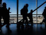 War er pünktlich oder zu spät?: Gate ist zu - Fluggast klagt gegen Airline