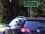 Tipps fürs Autofahren im Sommer: Nicht volltanken und richtig parken