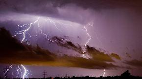 Erste Gewitter in der Nacht: Norden kühlt ab, Süden schwitzt weiter