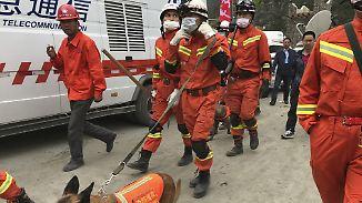 Erdrutsch in chinesischer Bergregion: Rettungskräfte haben noch geringe Hoffnung auf Überlebende