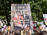 Rechte Nordiren dulden May: Minderheitsregierung in Großbritannien steht