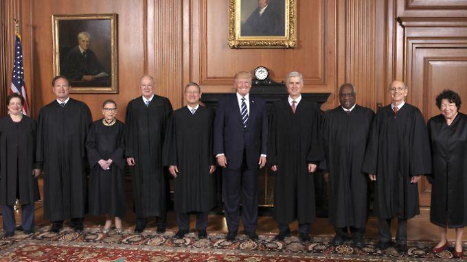 Blockade beendet: Oberstes Gericht erlaubt Trumps Einreiseverbot teilweise
