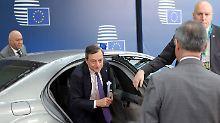 Abschied von den Niedrigzinsen?: Draghi deutet Kurswechsel an