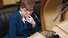 Schotten bleiben zunächst in UK: Sturgeon legt Unabhängigkeit auf Eis