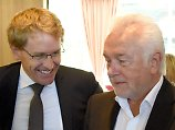 Zwei Abweichler in Koalition: Günther zum Ministerpräsidenten gewählt