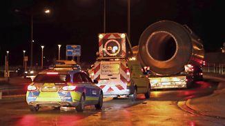 Privatunternehmen lösen Polizei ab: Schwertransporte bekommen neue Begleitfahrzeuge